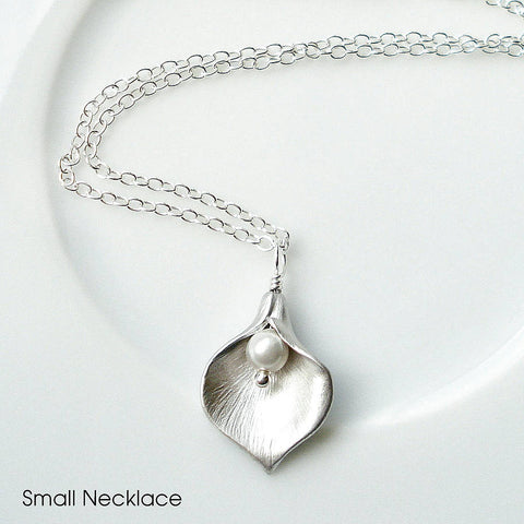 Calla Lily Necklace - Mia Belle Jewellery