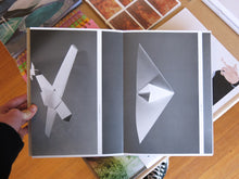 Load image into Gallery viewer, Sjoerd Knibbeler - Paper Planes