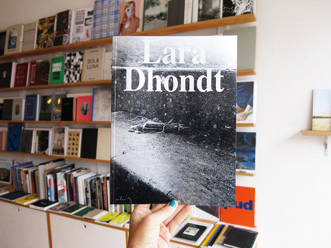 Lara Dhondt - Wandering Off