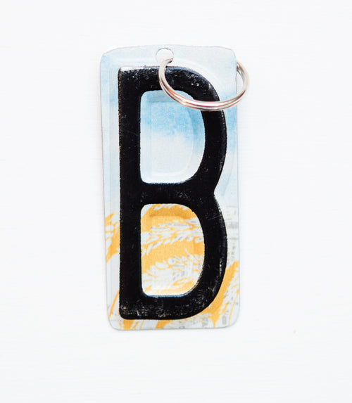 LETTER B KEY CHAIN - Unique Pl8z