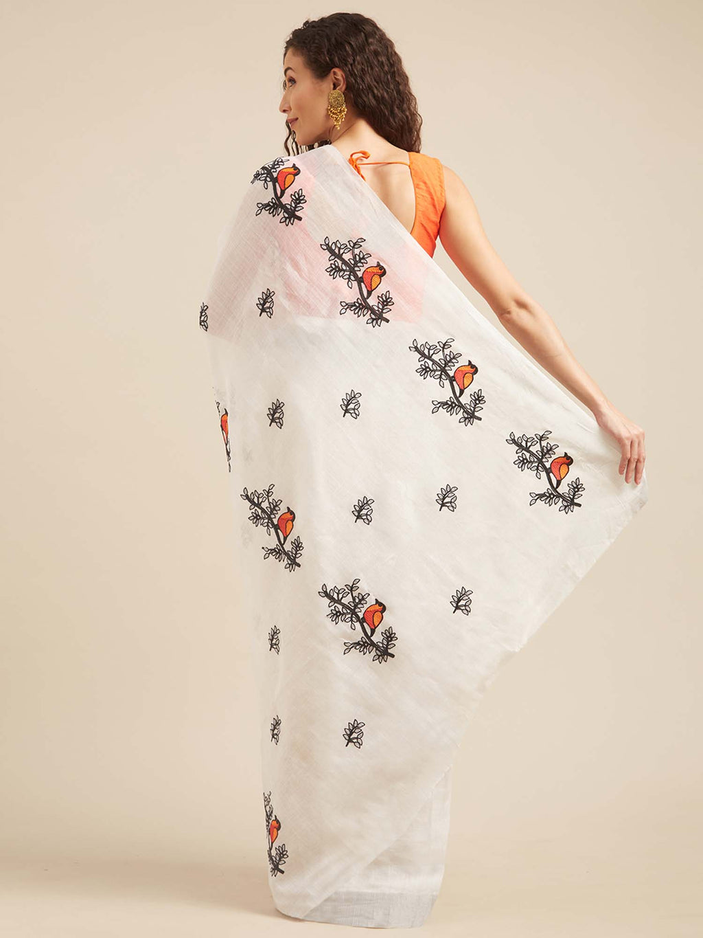 White Cotton Animal Embroidered Thread Work Machinery Saree - Riviera Closet