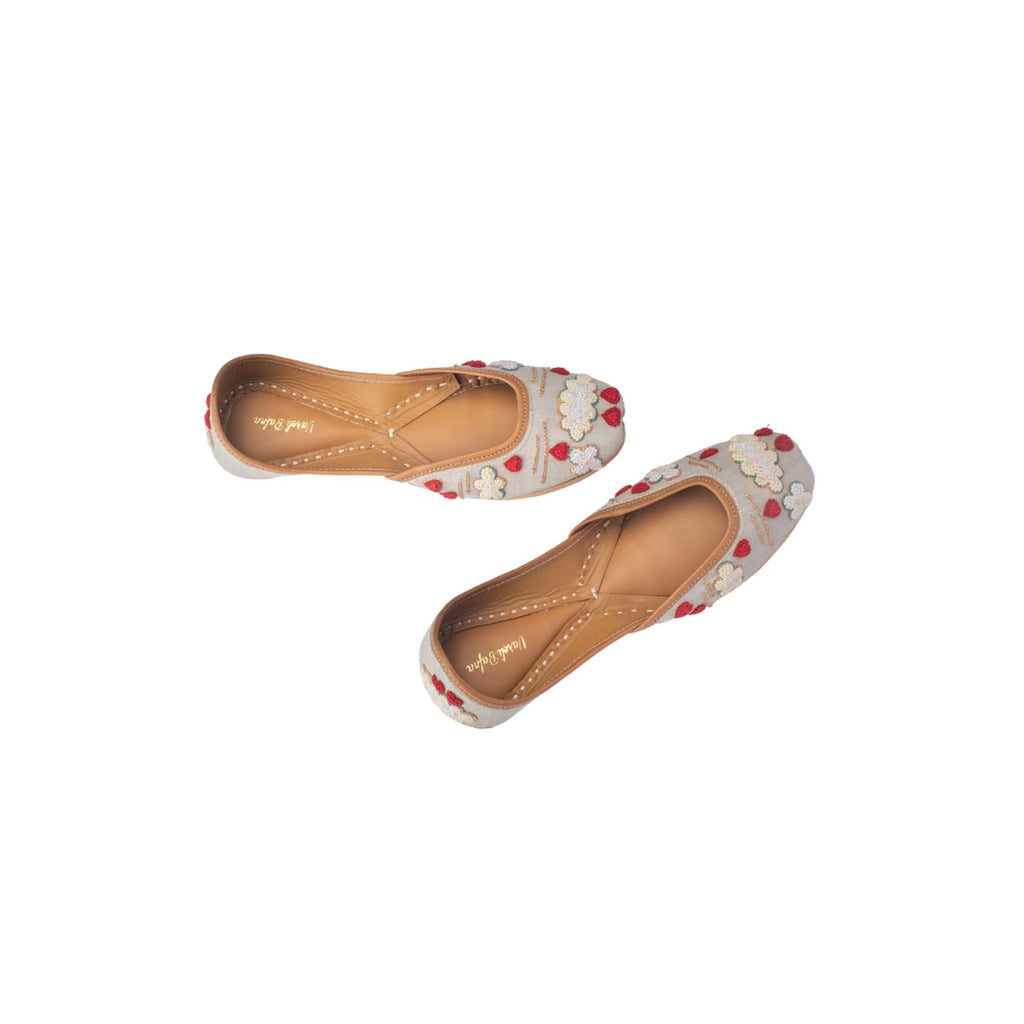 Cloud Thread Work Embroidered Juttis - Riviera Closet