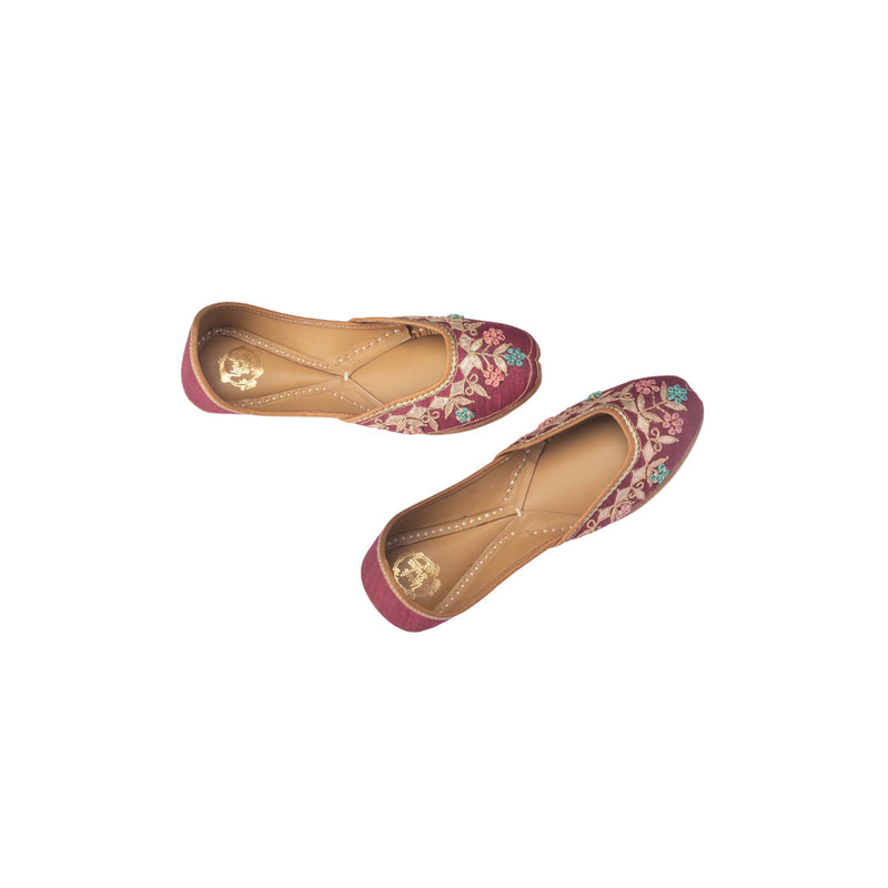 Floral Red Hand Embroidered Juttis - Riviera Closet