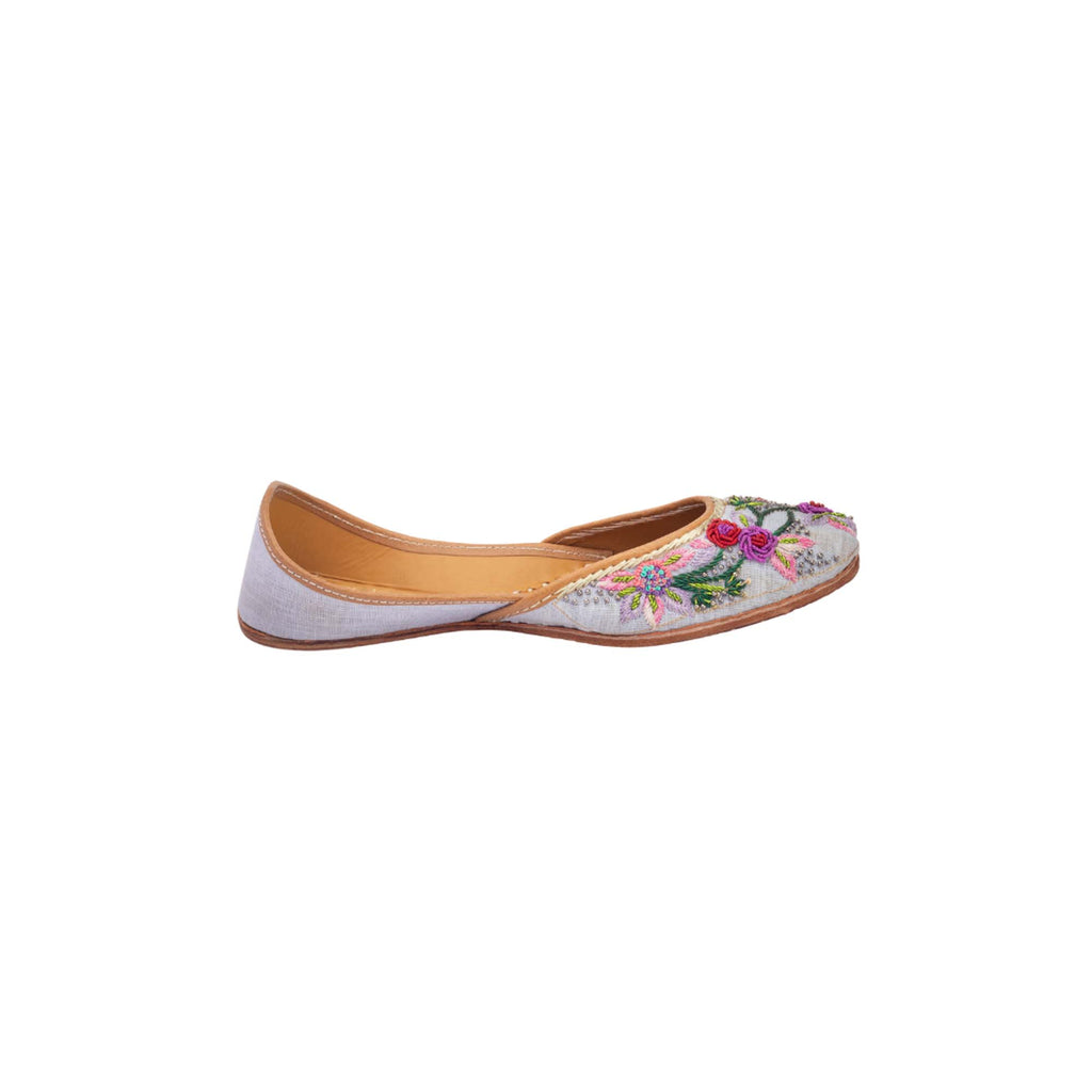 Light Purple Juttis with Hand-Embroidered Flowers - Riviera Closet