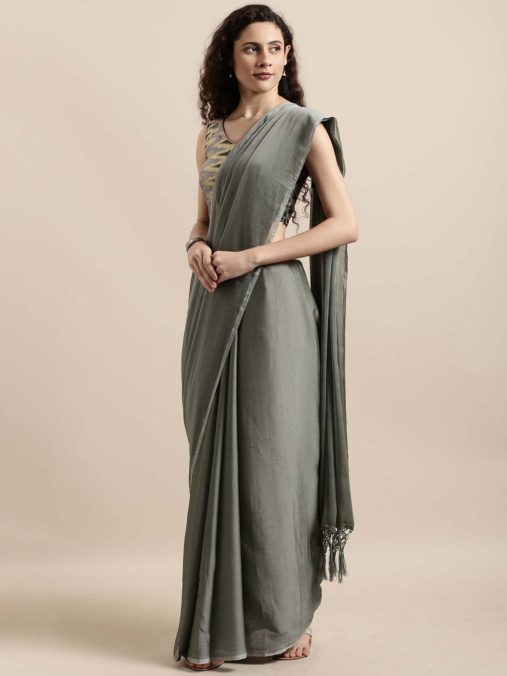 Grey Solid Poly Crepe Saree - Riviera Closet