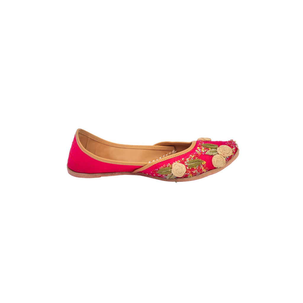 Floral Thread Work Gold Colour Hand Embroidered Juttis - Riviera Closet