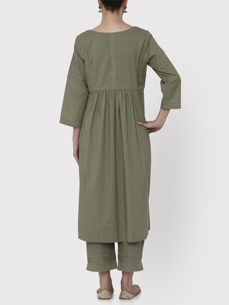 Nayanika Pistachio Green Kurta & Cropped Pants Set - Riviera Closet