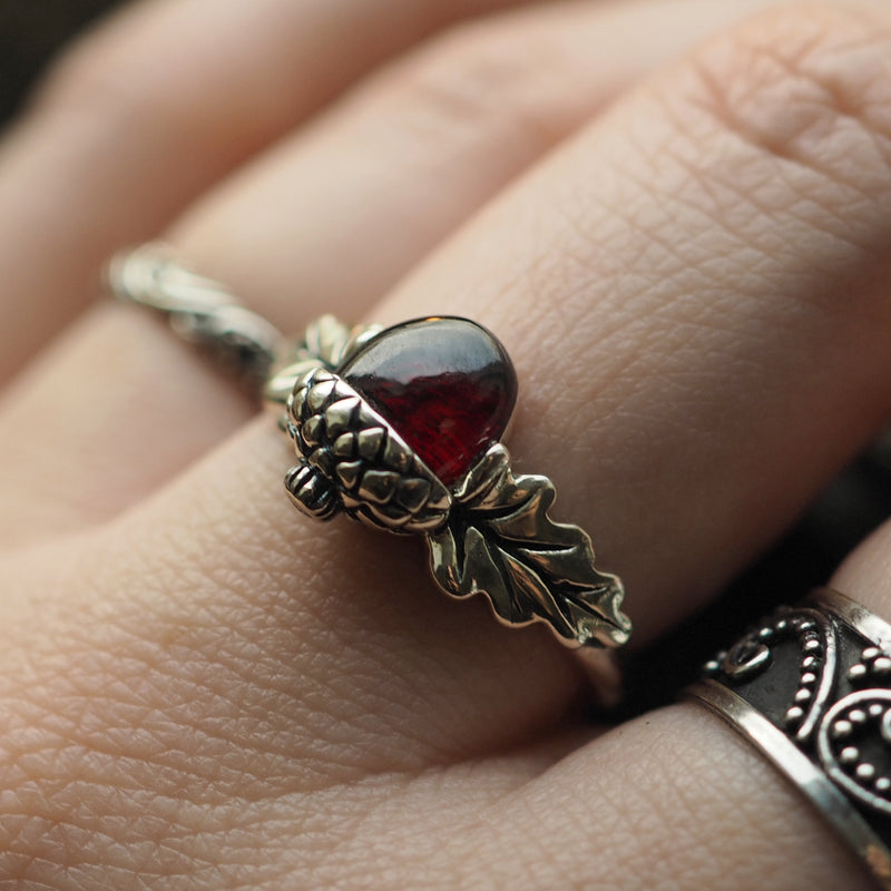 Nature Lover - Garnet & Sterling Silver Ring