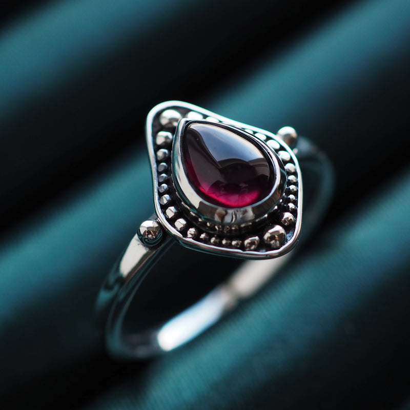 Arabella - Garnet & Sterling Silver Ring