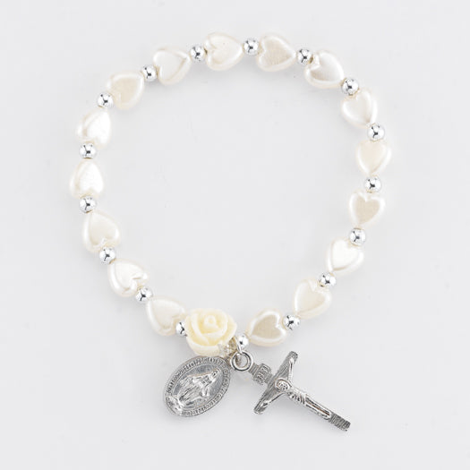 WHITE HEARTSHAPED BRACELET