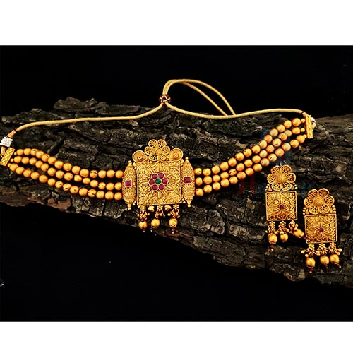Gorgeous Bridal Chokers In Matte-Geru Finish Broad Pendant _Hayagi(Pune)