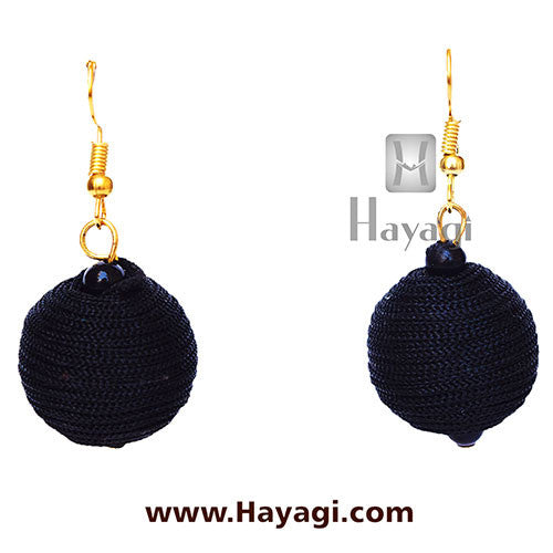 Dangler Thread Black Earrings- Round_Hayagi