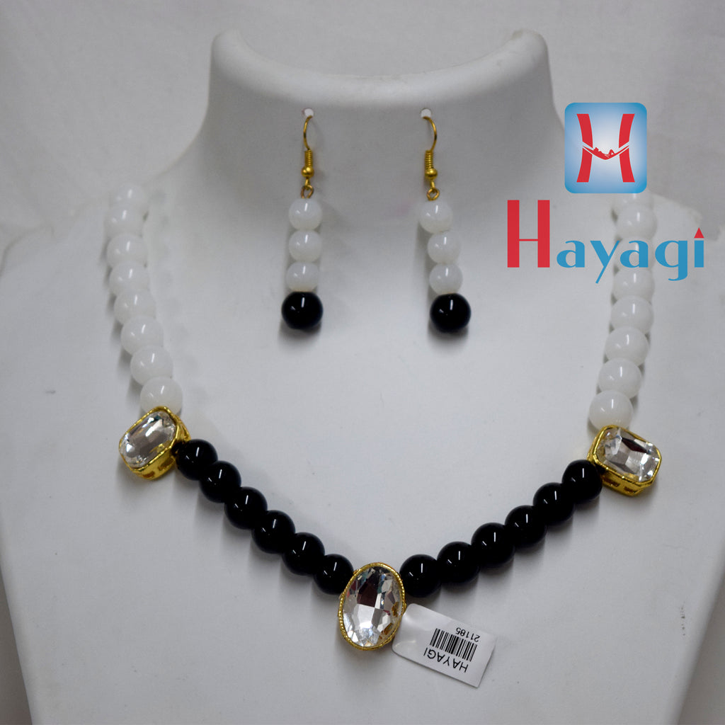 Black Beads White Pearl Set Fashionable necklace Buy Online - Hayagi