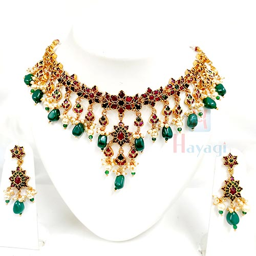 Kemp Multiple Stones Decorated Necklace_Hayagi(Pune)