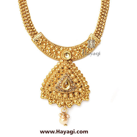 Short Necklace Triangle Design Golden Finish Set -Hayagi