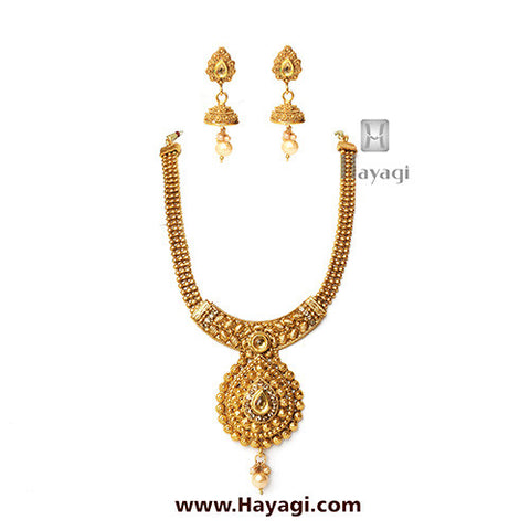 Short Necklace Leaf Design Golden Finish Set -Hayagi