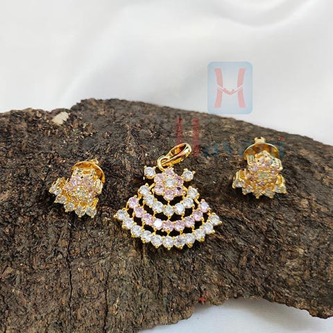 Pink White Trangle Shaped Pendant Set_Hayagi(Pune)