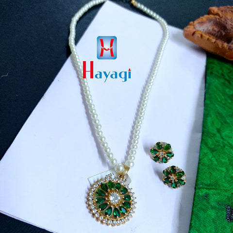 Pendant Set Green White Decorated Buy Online  _Hayagi(Pune)
