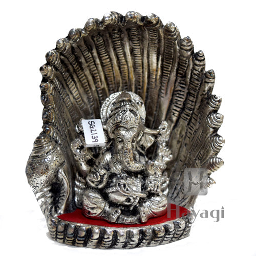 Lord Ganesh Sitting in Conch Shell Statue Online_Hayagi