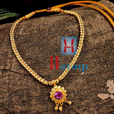 Pearl Thushi Single Line Flower Pendant Gold finishing_Hayagi(Pune)