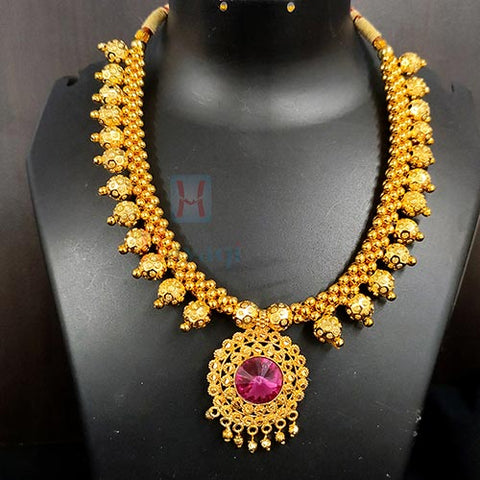 Kolhapuri Thushi In Gold Finish Designer Thushi Necklace_Hayagi(Pune)