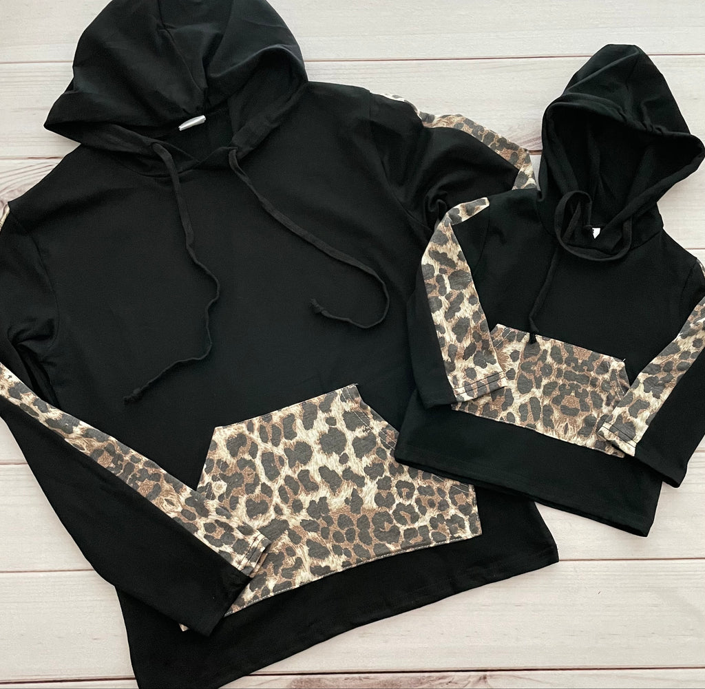 Black Leopard Mommy N Me Hooded Pullovers