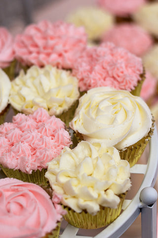 floral baby shower cupcakes