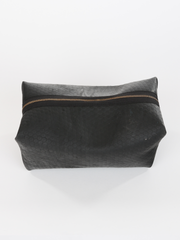 Inner tube Kenneth Cole Dopp Kit with zipper closure, by deux mains. Top view.