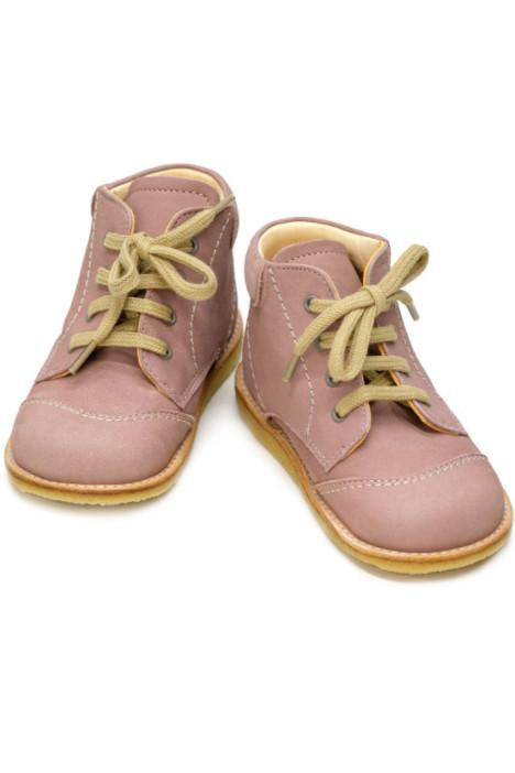 Dusty pink girl boots with vintage laces and stitched detail. These baby boots has great ankle support for your child's comfort.