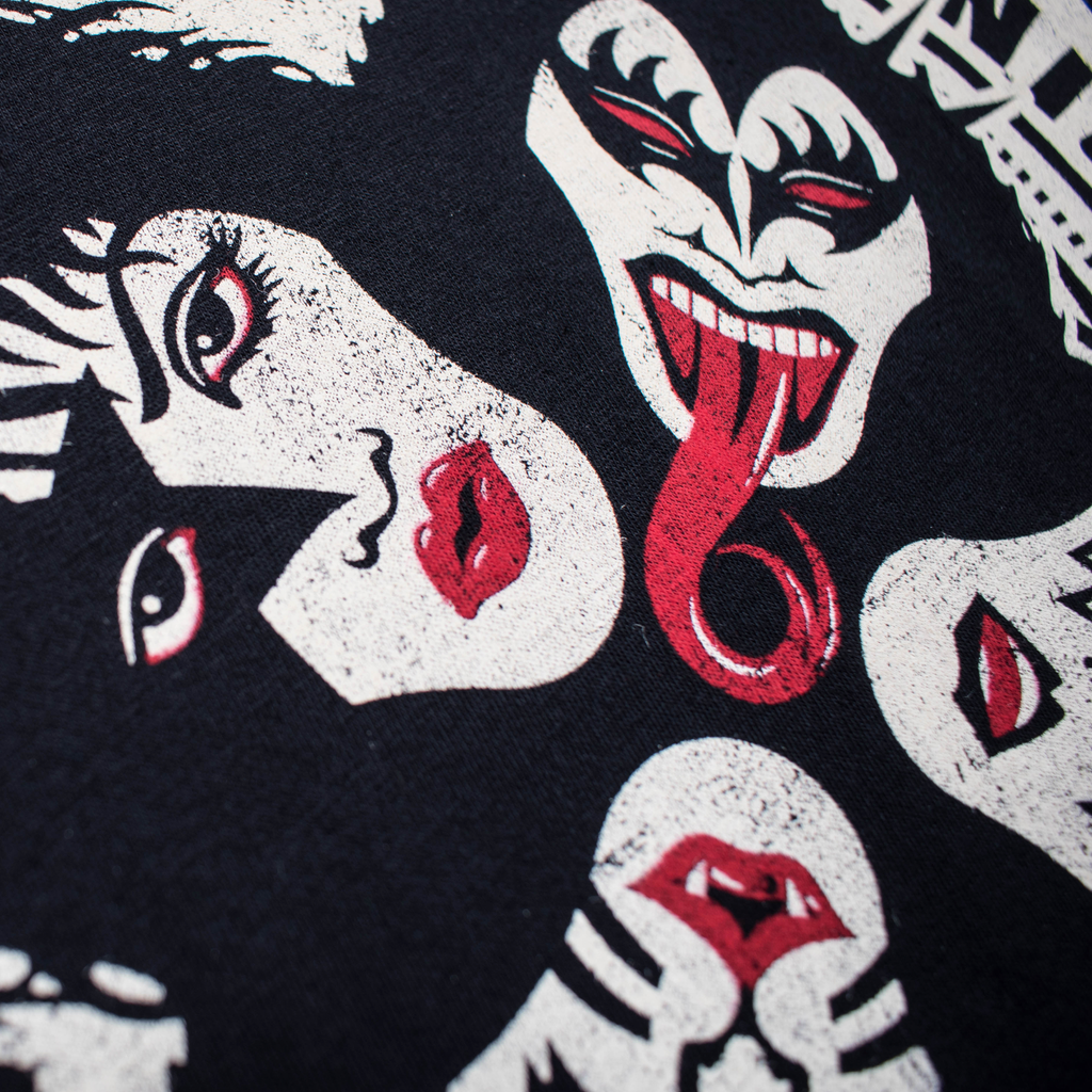 Playera Kiss Ouija