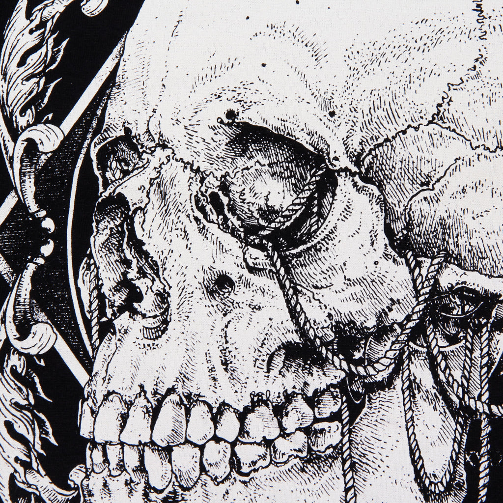 Playera Forces Of Death by Too Many Skulls