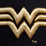 Gorra Plana Logo Wonder Woman Golden Edition