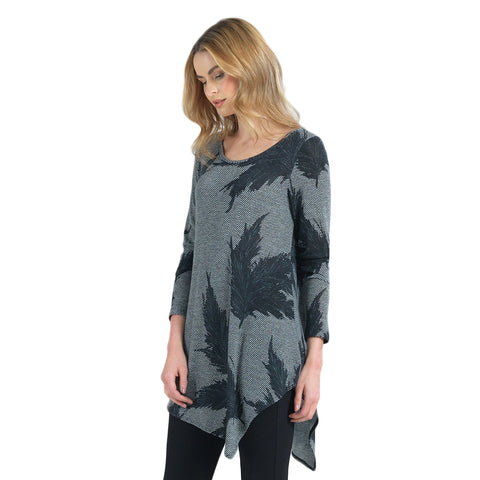 Clara Sunwoo Feather-Print Sweater Knit Tunic in Grey/Black - T69WP5-Size L Only