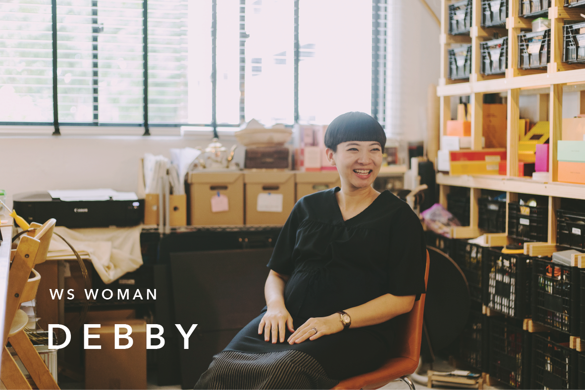 WS WOMAN : DEBBY