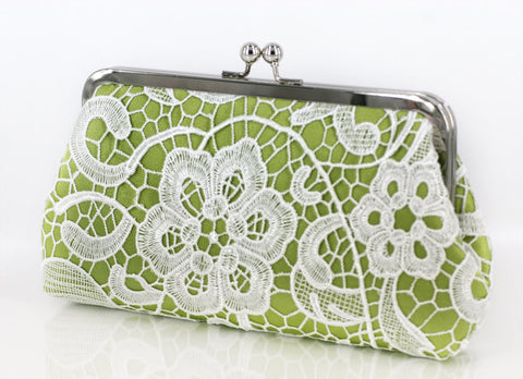 Apple Green: Floral Lace Clutch in Pastel and White - L'HERITAGE ANGEEW
