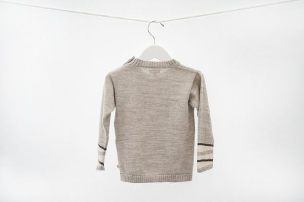 Sweater with pocket (gray)