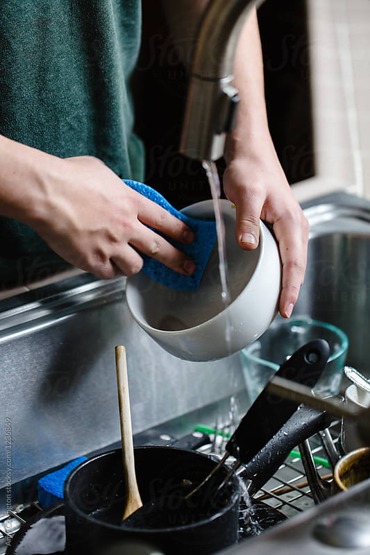 photo of washing dishes at Dinner on the Table, one of the fast growing catering companies in Sydney