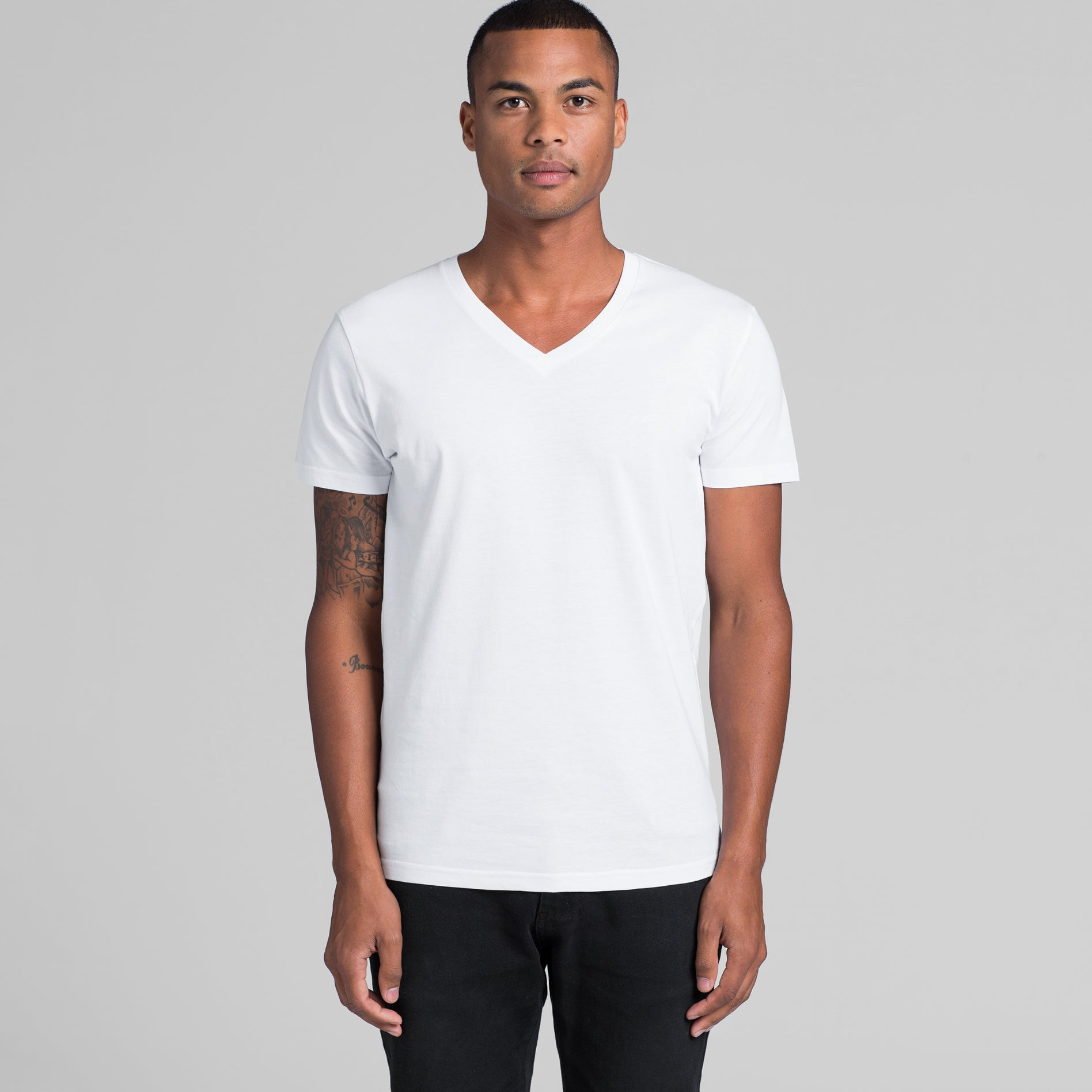 Ether - V-Neck - Slim Fit & Lightweight - 2 Colours