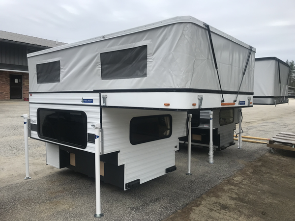 Customer Classified: 2018 Four Wheel Camper Hawk Shell