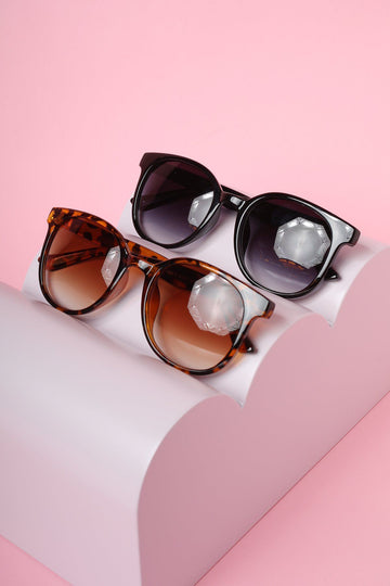 Rounded Wayfarer Sunglasses Sunglasses Mulberry & Grand