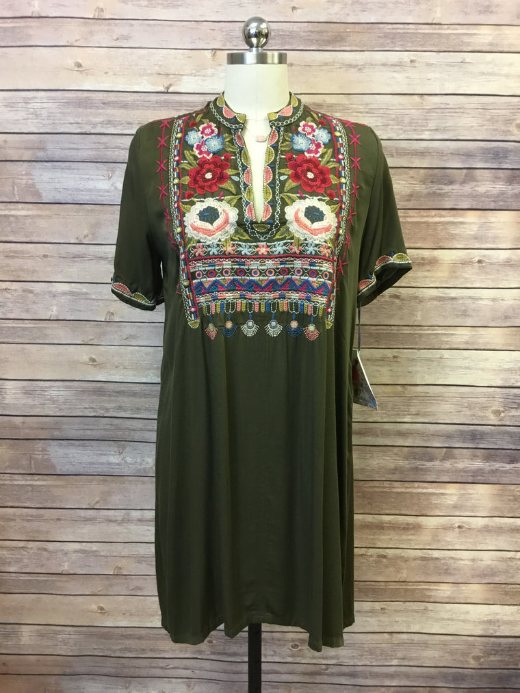 Kealan Easy Vneck Dress
