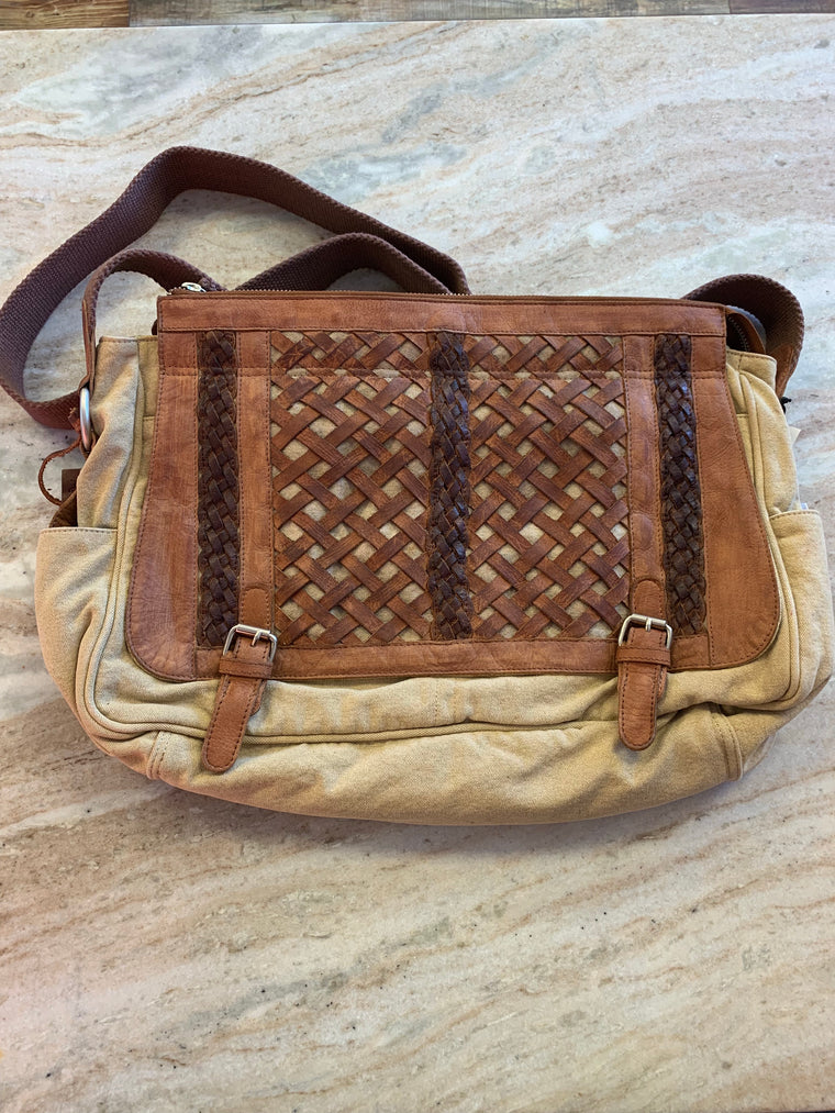 Woven Abby Bag in Wheat