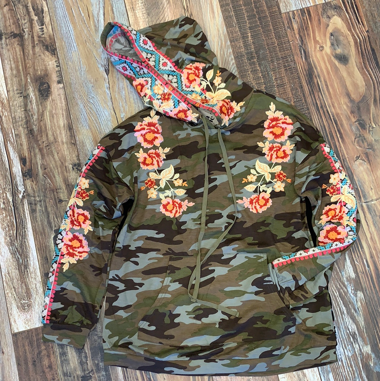 Camo Embroidered Sweatshirt