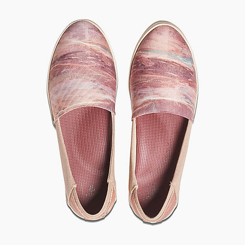 Reef Rose Women's Shoes - The Passionate Collector