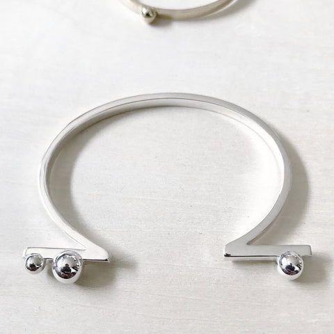 Louven Sphere and Bar Silver Cuff - The Passionate Collector