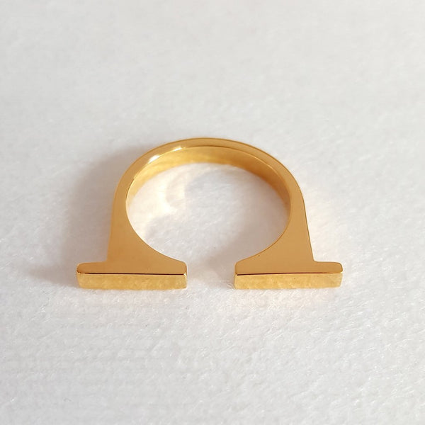 Louven Split Bar 18K Gold Ring - The Passionate Collector