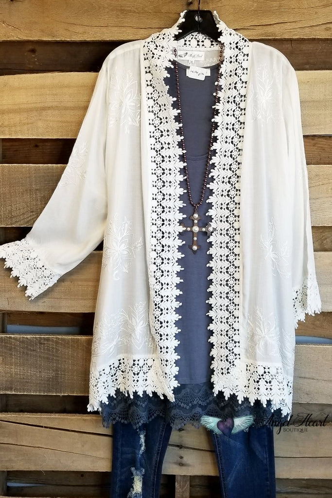 Fell For You Kimono - White [product type] - Angel Heart Boutique