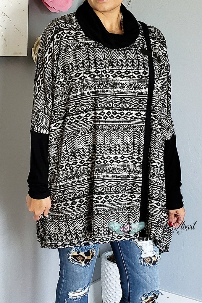 Aztec Cape With Buckle Detail - Black