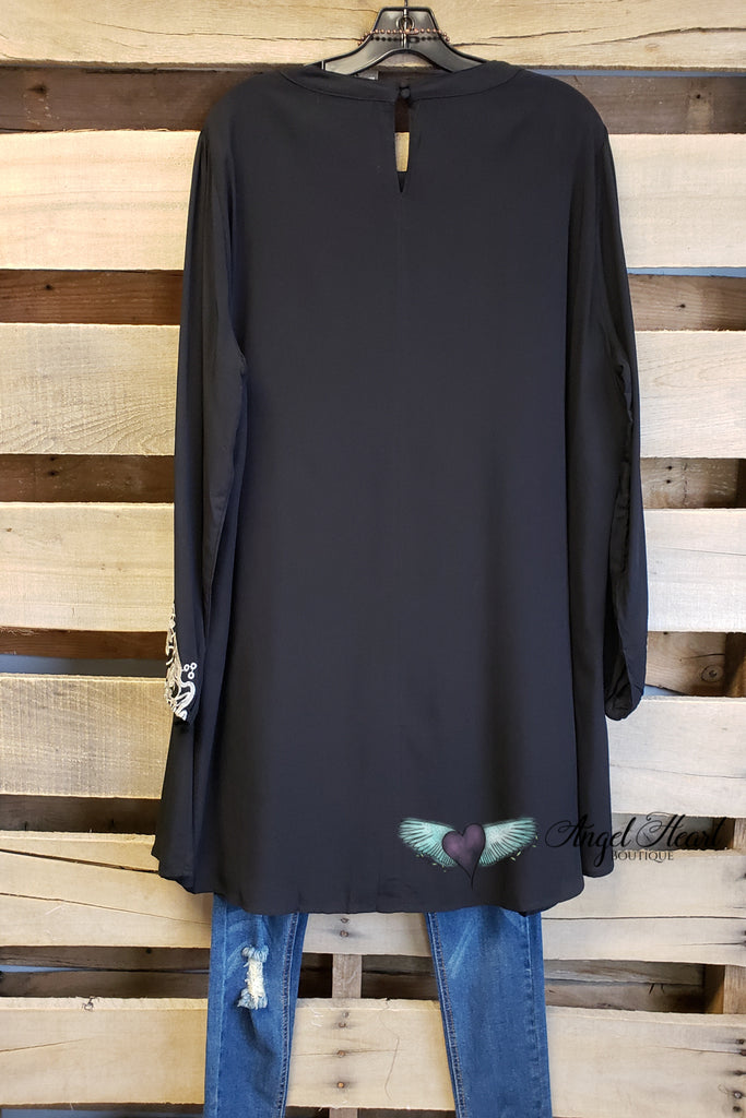 Locking Eyes Tunic Dress - Black [product type] - Angel Heart Boutique