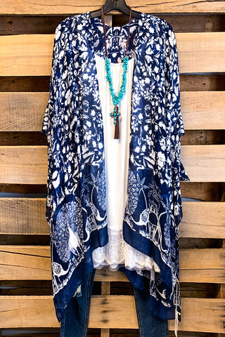 AHB EXCLUSIVE: Catching Feelings Velvet Kimono - Navy